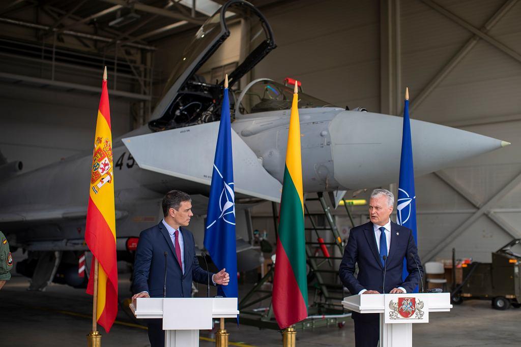 Konferencja premiera Hiszpanii Pedro Sancheza i prezydenta Litwy Gitanasa Nausedy