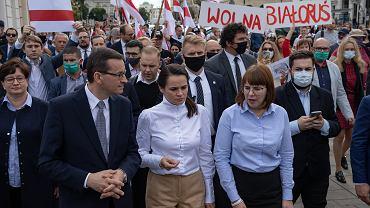 Swiatłana Cichanouska z białoruską opozycjonistką Olgą Kowalkową i premierem Mateuszem Morawieckim w Warszawie, 9 września 2020