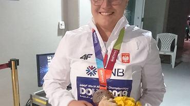 Joanna Fiodorow po odebraniu srebrnego medalu MŚ