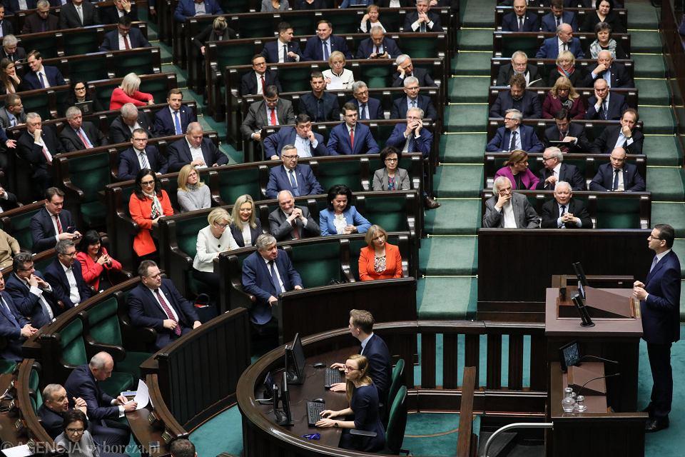 28.12.2018, premier Mateusz Morawiecki podczas pierwszego czytania projektu ustawy przeciwdziałającej wzrostowi cen prądu.