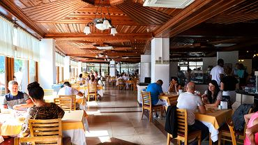Restauracje hotelowe wyłączone z nowych obostrzeń