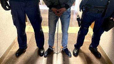 Aresztowanie 29-letniego Krystiana W. Mężczyzna oskarżony jest o zabójstwo żony, poszukiwanej przez dwa dni 27-letniej Karoliny
