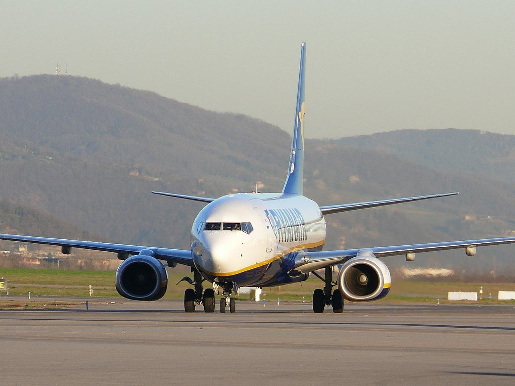 Samolot linii Ryanair na lotnisku w Bergamo