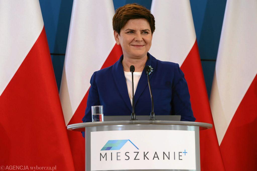 Premier Beata Szydło podczas prezentacji programu Mieszkanie +