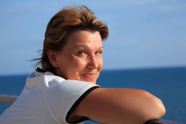 Życie dorosłej kobiety do niedawna miało dwa etapy - przed menopauzą i po niej. Od kilku lat świat lekarski wyróżnia trzeci okres, zwany perimenopauzą, obejmujący kilka lat przed nadejściem przekwitania