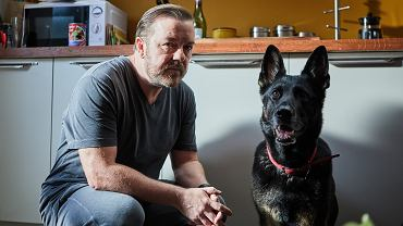 Ricky Gervais jako Tony i jego ukochany pies w serialu 'After Life'