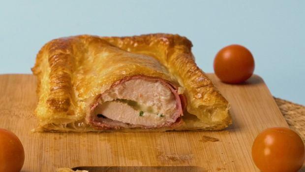 Kurczak alfredo w cieście francuskim