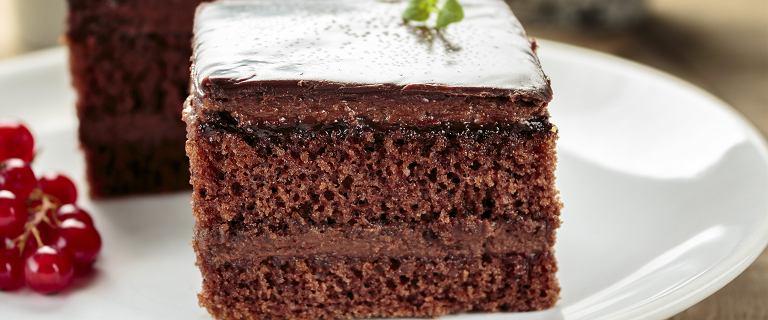 Ciasto czekoladowe z musem owocowym [WIDEO]