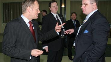 Donald Tusk i Jacek Saryusz-Wolski na Radzie Krajowej PO w 2008 roku (fot. Wojciech Surdziel/AG)