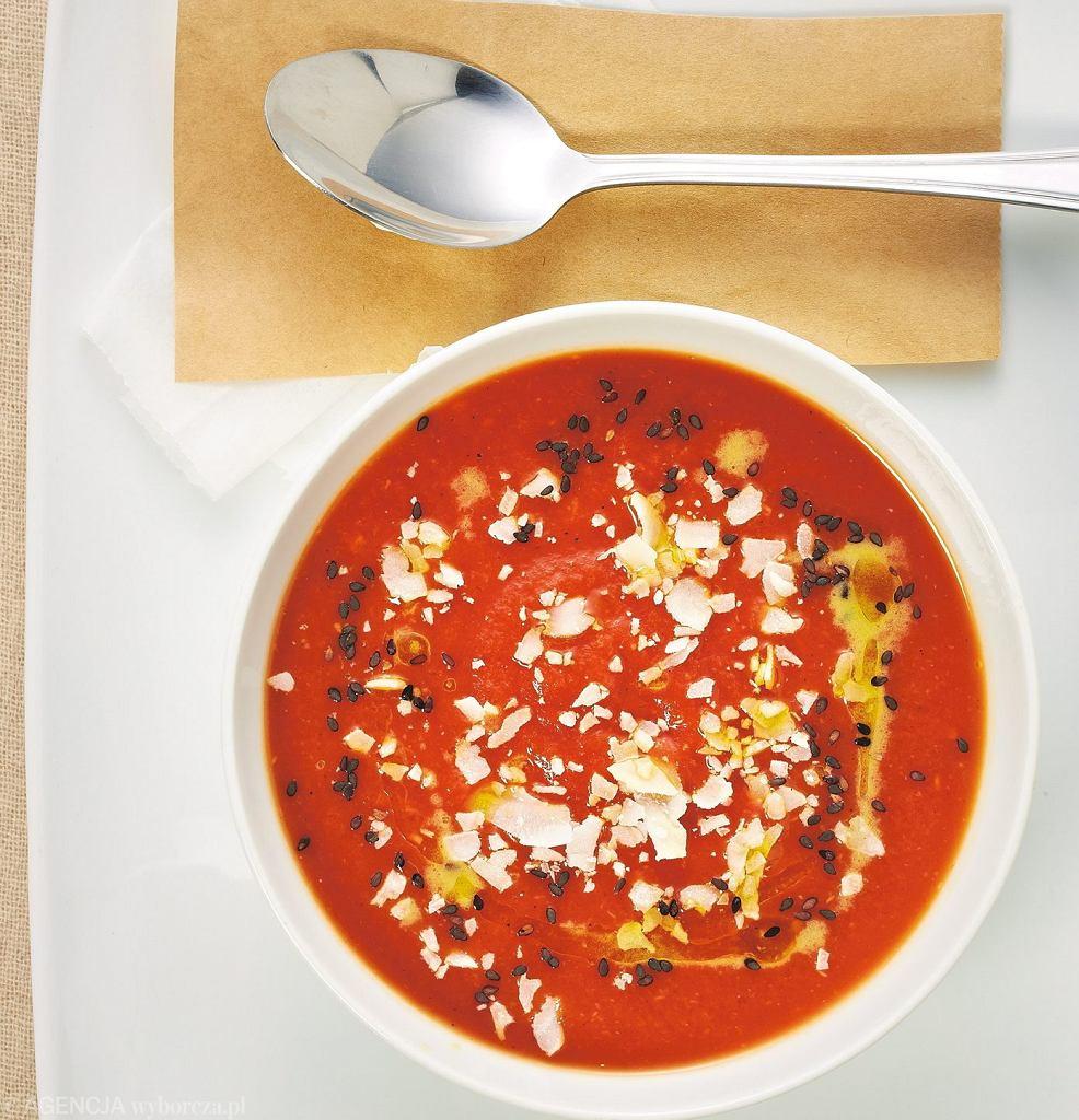 Zupa pomidorowa z kokosową nutą