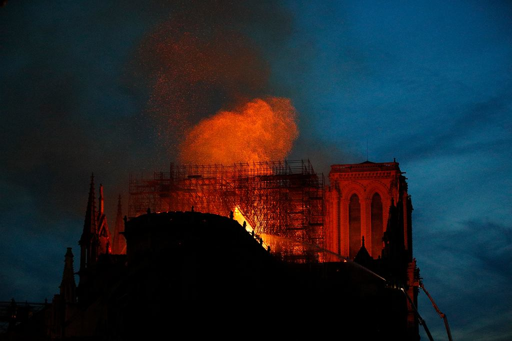 Francja. Pożar katedry Notre Dame