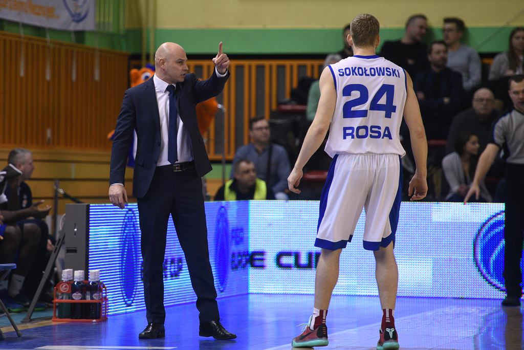 Wojciech Kamiński (z lewej), trener Rosy Radom