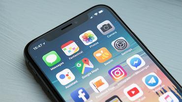 """Rosja. """"Prawo przeciwko Apple"""" wchodzi w życie. Wszystkie smartfony muszą mieć rosyjskie aplikacje"""