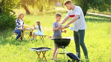 Obostrzenia - majówka 2021. Choć niektóre dzieci czeka wyjątkowo długie wolne, mogą zapomnieć o rodzinnych wycieczkach