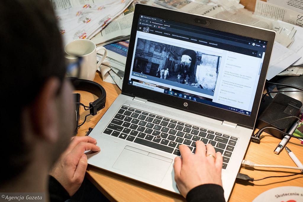 Polacy piją na pracy zdalnej. Pracodawcy nie mogą nic z tym zrobić (zdjęcie ilustracyjne)