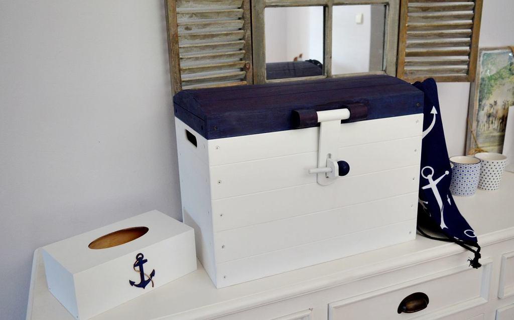 Marynistyczna skrzynia na zabawki Nautical