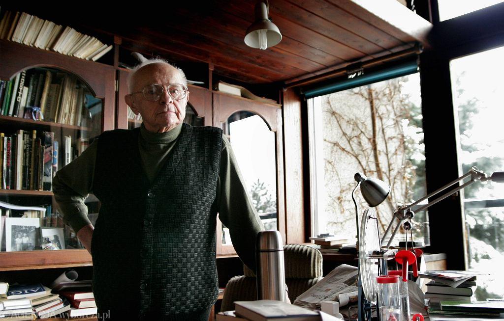 Stanisław Lem w swoim domu w styczniu 2005 roku