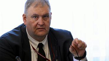 Bogdan Święczkowski, były szef ABW w pierwszym rządzie PiS, obecnie wiceminister sprawiedliwości, zaufany Zbigniewa Ziobry,  jest najpoważniejszym kandydatem na prokuratora krajowego