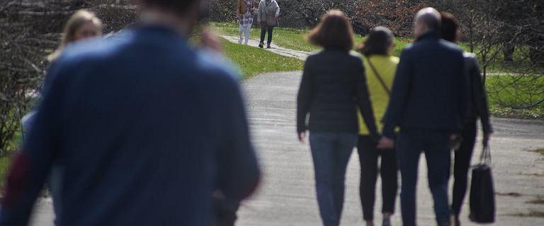Nieoficjalnie: rząd zniesie obowiązek noszenia maseczek na świeżym powietrzu