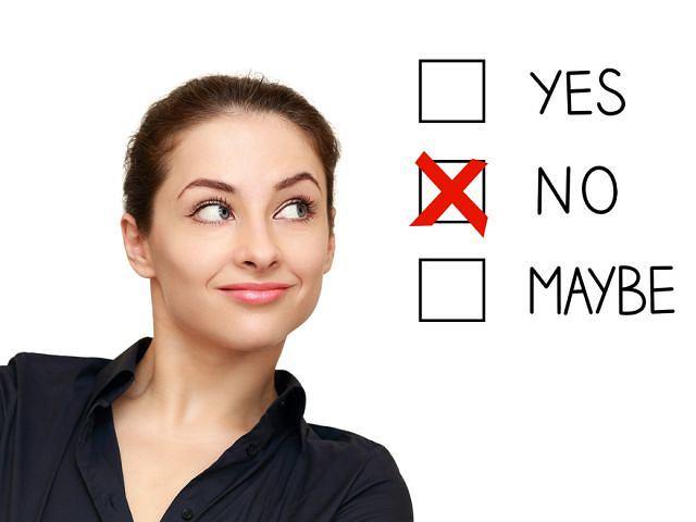 Asertywność to zdolność do wyrażania swojego zdania, opinii czy odmowy w sposób stanowczy, a jednocześnie nie krzywdzący dla rozmówcy.