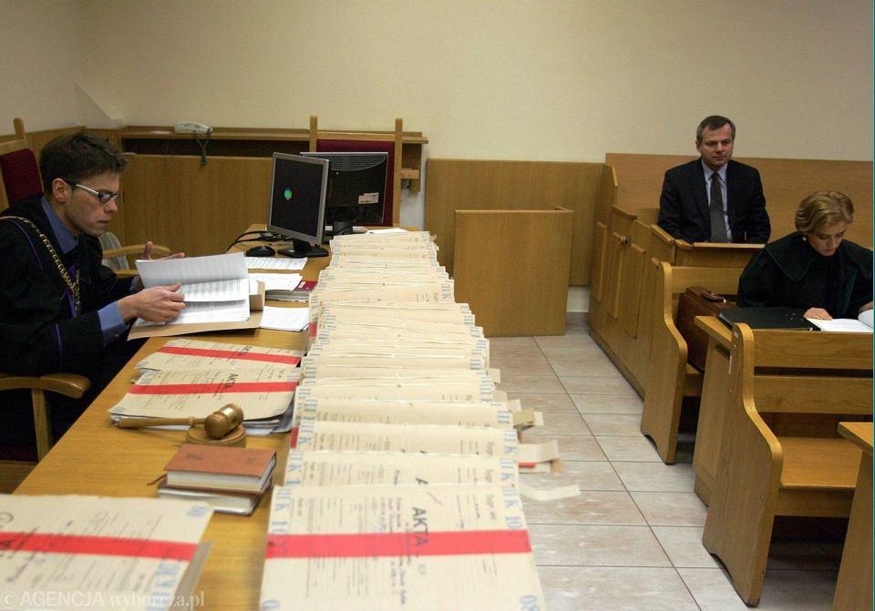 Sędzia Tuleya (z lewej) na procesie kardiochirurga dra Mirosława Garlickiego (fot. Krzysztof Miller/AG)