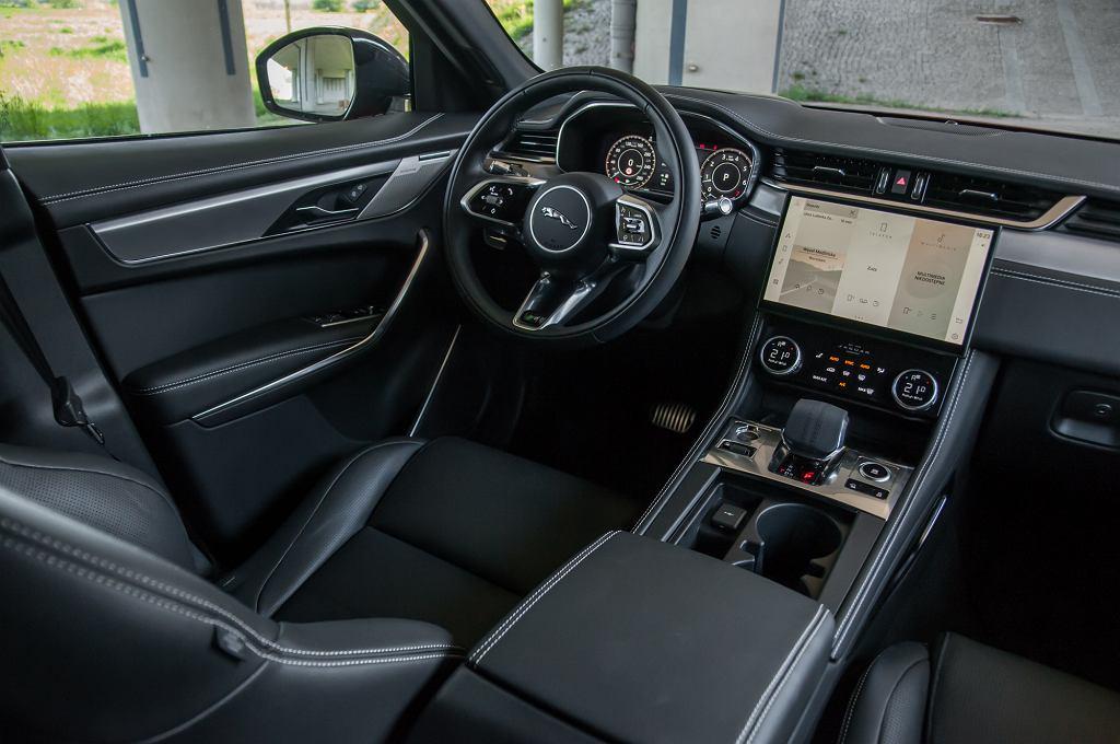 Jaguar F-Pace R Dynamic 2.0 249 KM
