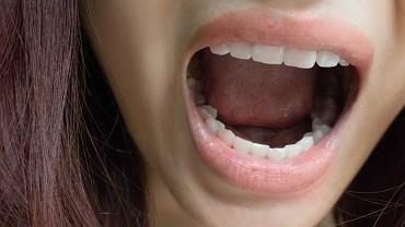 Brzydki zapach z ust - o czym może świadczyć?