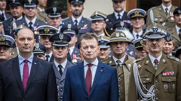 Sebastian Chwałek (po lewej) został wiceprezesem zarządu Polskiej Grupy Zbrojeniowej