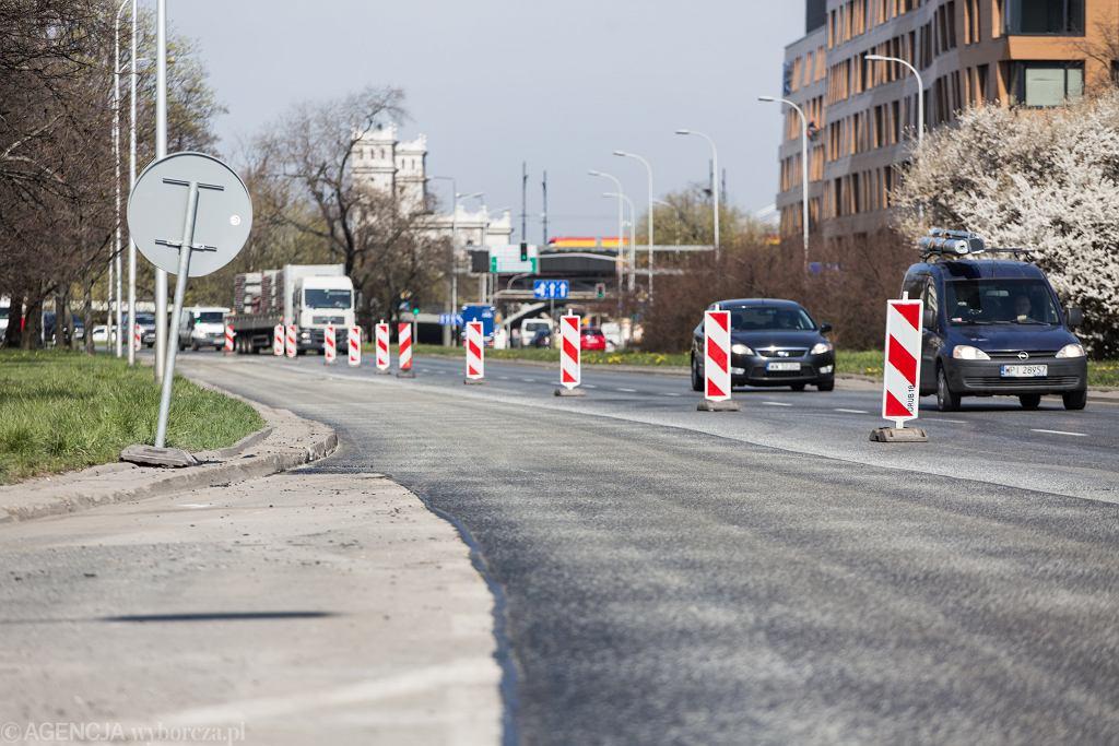 /Wymiana nawierzchni na prawym pasie Wislostrady