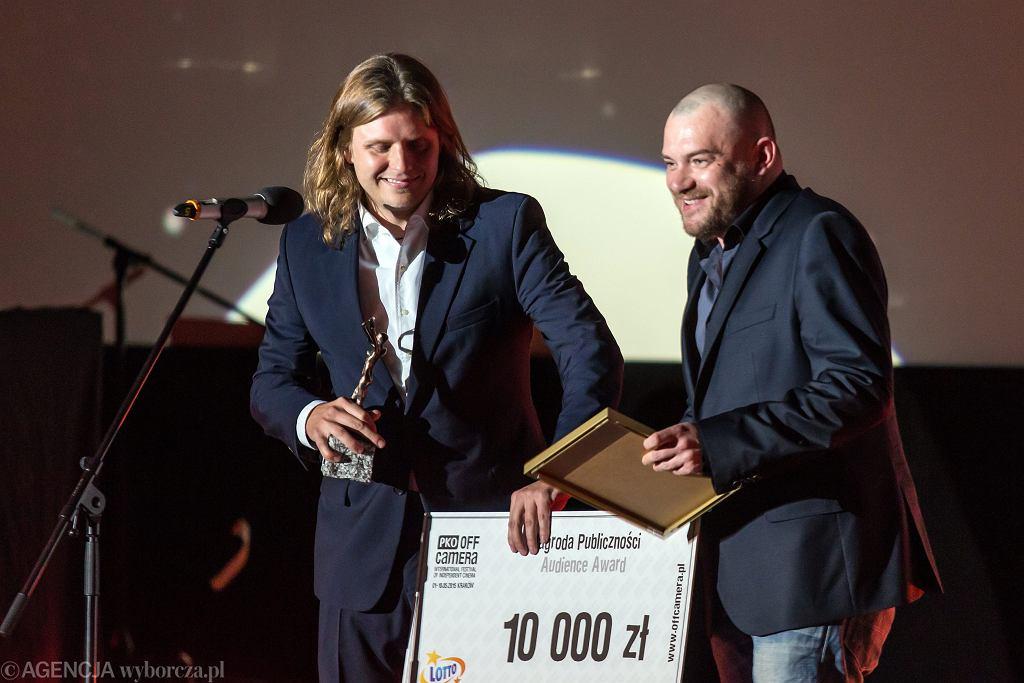 Piotr Wożniak -Starak i reżyser Lukasz Pałkowski podczas PKO Off Camera .