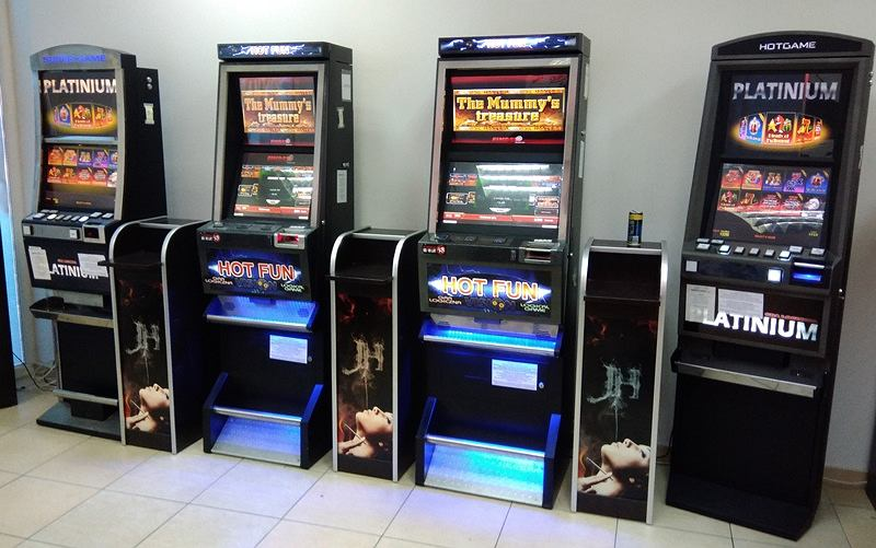 Wspaniały Pięć nielegalnych automatów do gier zatrzymanych na terenie Rzeszowa HJ93