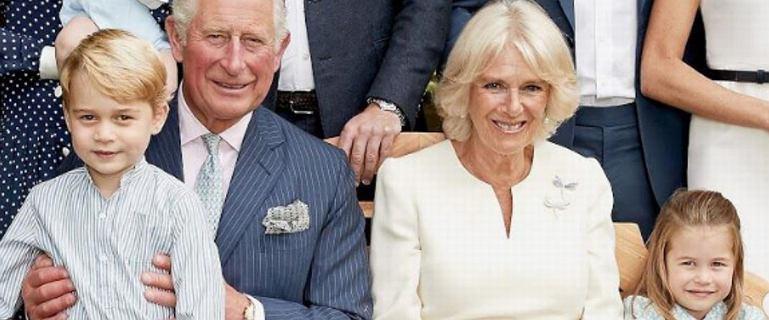 Rodzina królewska pokazała nowe zdjęcie rodzinne z okazji 70. urodzin księcia Karola