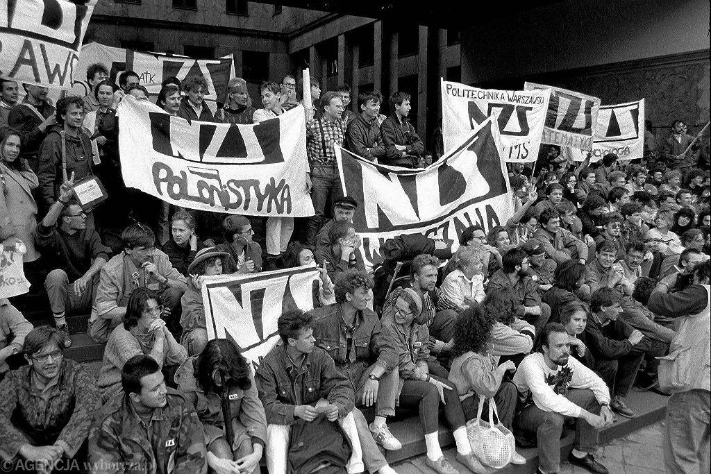 Demonstracja w sprawie rejestracji NZS. Rok 1989