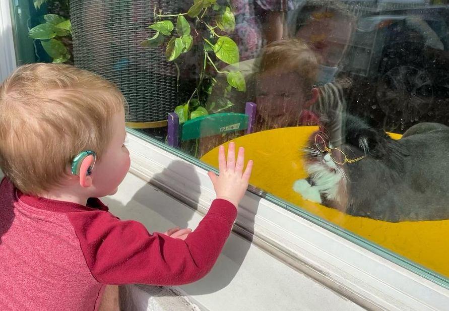 Dzięki temu pupilowi, dzieci szybciej przekonują się do okularów.