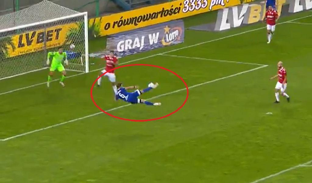 Piękny gol w meczu Ekstraklasy. Damian Rasak zdobył bramkę strzałem nożycami