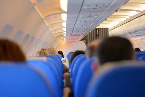 """Spór o osłonę twarzy na pokładzie samolotu. Linie lotnicze: """"Bezpieczeństwo jest naszym priorytetem"""""""