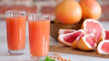 Dlaczego z półek sklepów znika sok grejpfrutowy? Producenci wreszcie nam to wyjaśnili