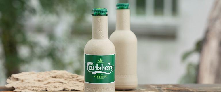 Carlsberg chce dbać o środowisko. Stworzył papierową butelkę do piwa