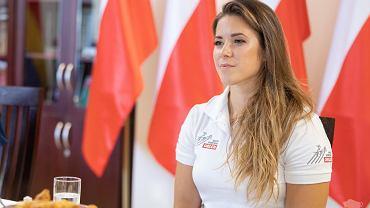 Cena wywoławcza srebrnego medalu igrzysk olimpijskich w Tokio 2020 to 200 tys. zł. Maria Andrejczyk poinformowała w piątek (13 sierpnia) podczas spotkania u marszałka podlaskiego, że jest już osoba gotowa zapłacić tę kwotę