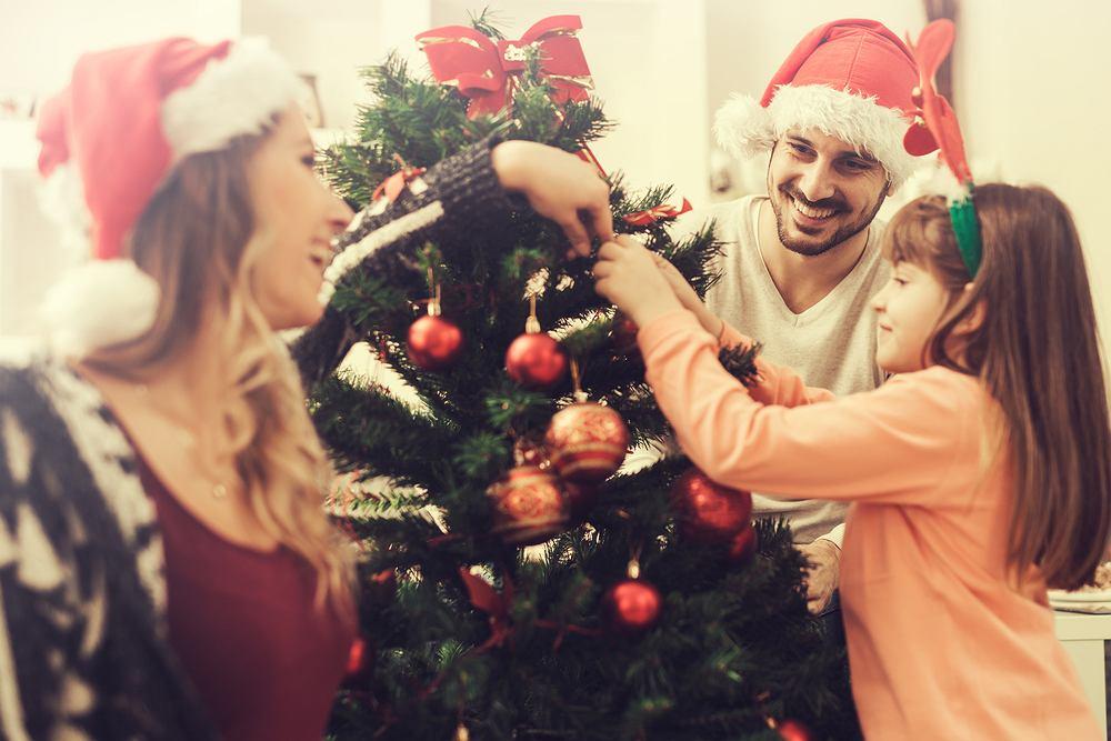 Boże Narodzenie to chrześcijańskie święto, przypadające 25 grudnia, obchodzone ku czci narodzin Jezusa Chrystusa.