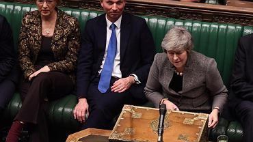 Walka o brexit. Jedna z grudniowych polemik premier May i szefa opozycyjnych laburzystów Jeremy'ego Corbyna