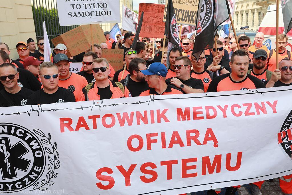 Protest ratowników medycznych w Warszawie (czerwiec 2021)