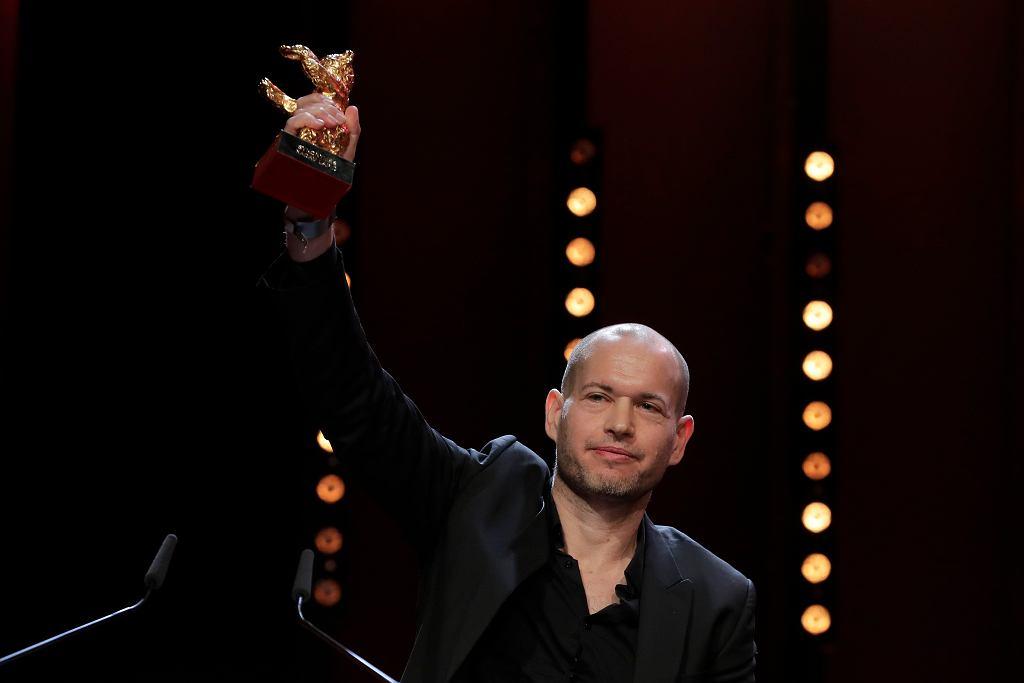 Reżyser Nadav Lapid odbiera nagrodę Złotego Niedźwiedzia za 'Synonimy' - najlepszy film Berlin Film Festival 2019. 16 lutego 2019
