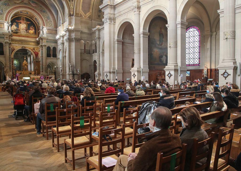 Francja. Kościół katolicki stracił do 40 proc. dochodów (zdjęcie ilustracyjne)