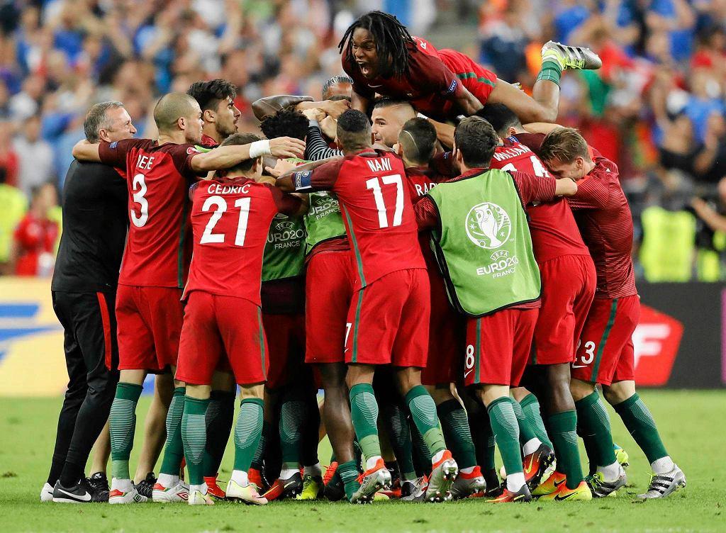 Radość Portugalczyków po wygraniu mistrzostw Europy