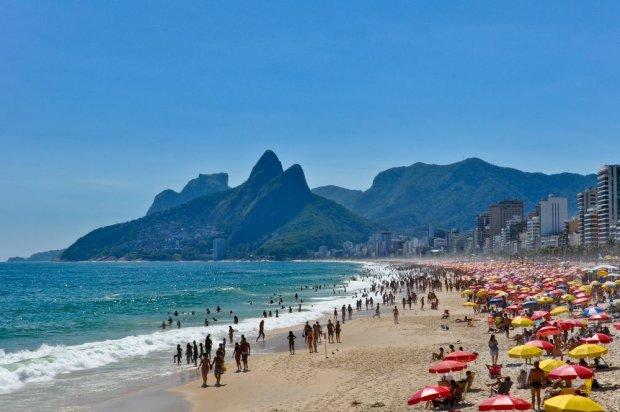 Inna słynna plaża Rio de Janeiro - Ipanemo / fot. Shutterstock