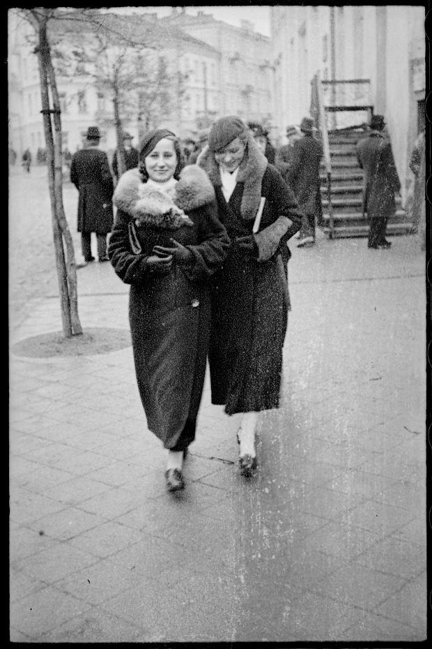 Zdjęcie numer 25 w galerii - Zdarzyło się... 1 listopada 1936 roku. Niepublikowane zdjęcia sprzed 81 lat