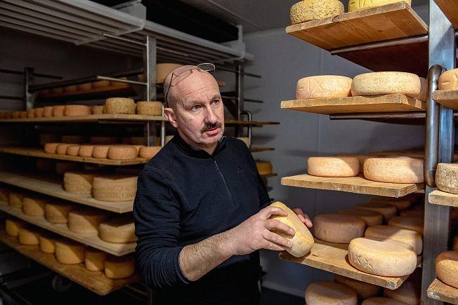 Sylwester Wańczyk (na zdjęciu): nawet wdomowej kuchni można zrobić dobry ser, zresztą sam tak zaczynałem