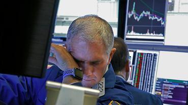 """Koronawirus i ropa zdewastowały giełdy, WIG20 w dół o prawie 8 proc. """"Totalne szaleństwo"""""""