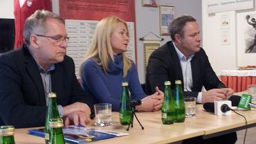 Anita Osuch (w środku)